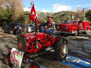 2014 Santa Fly-In Parade a Huge Success